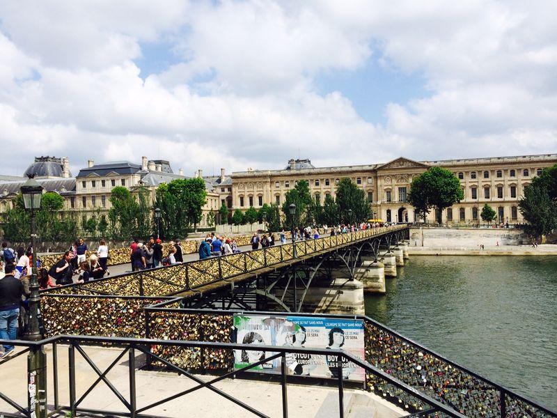 Paris bus lock bridge